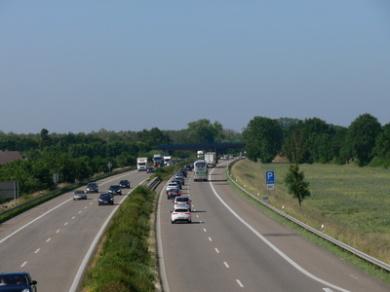 autos-auf-autobahn